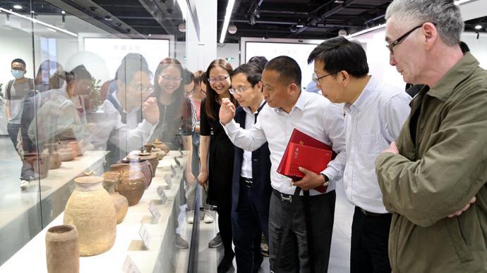 167件先秦文物入藏华东师大博物馆,由收藏家无偿捐赠