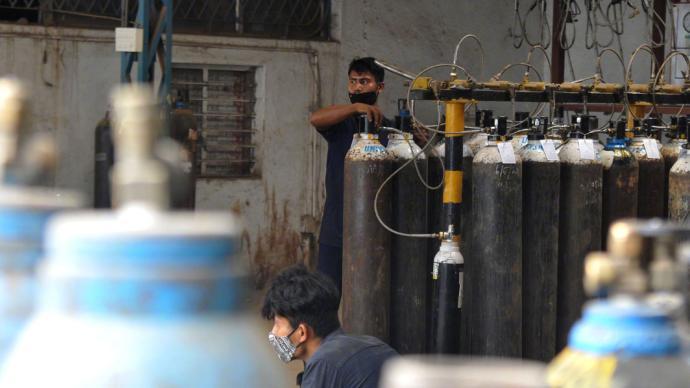"""印度首都新德里宣布第三次延长""""封城"""""""