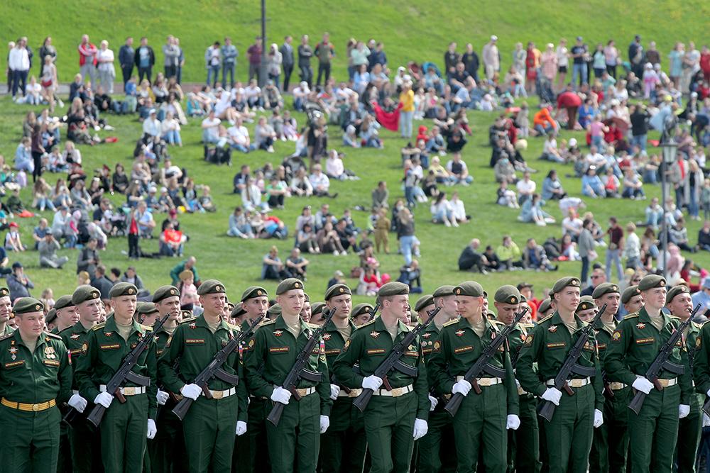 当地时间2021年5月9日,俄罗斯喀山,当地举行庆祝卫国战争胜利76周年阅兵式。