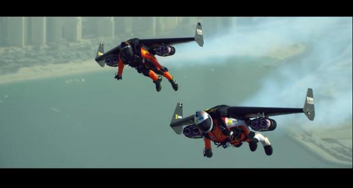 现在不少民用企业也在研发单兵飞行器。