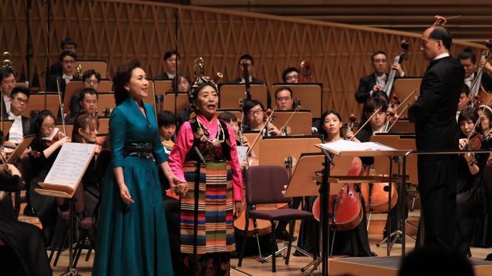 """时隔58年,才旦卓玛在""""上海之春""""再唱《唱支山歌给党听》"""