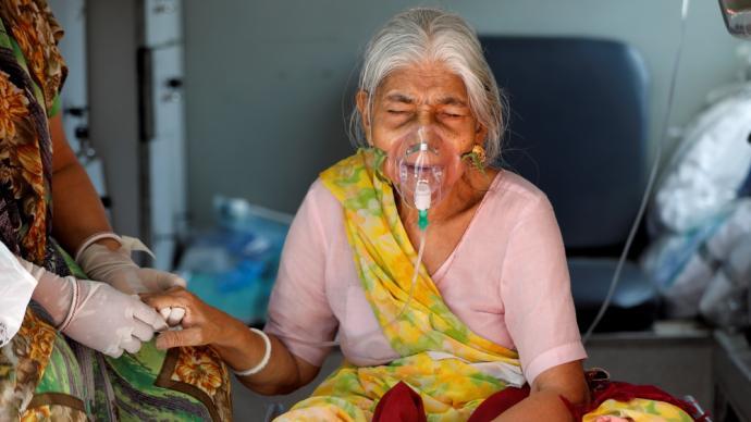 早安·世界|印度官员:印度将不可避免发生第三波疫情