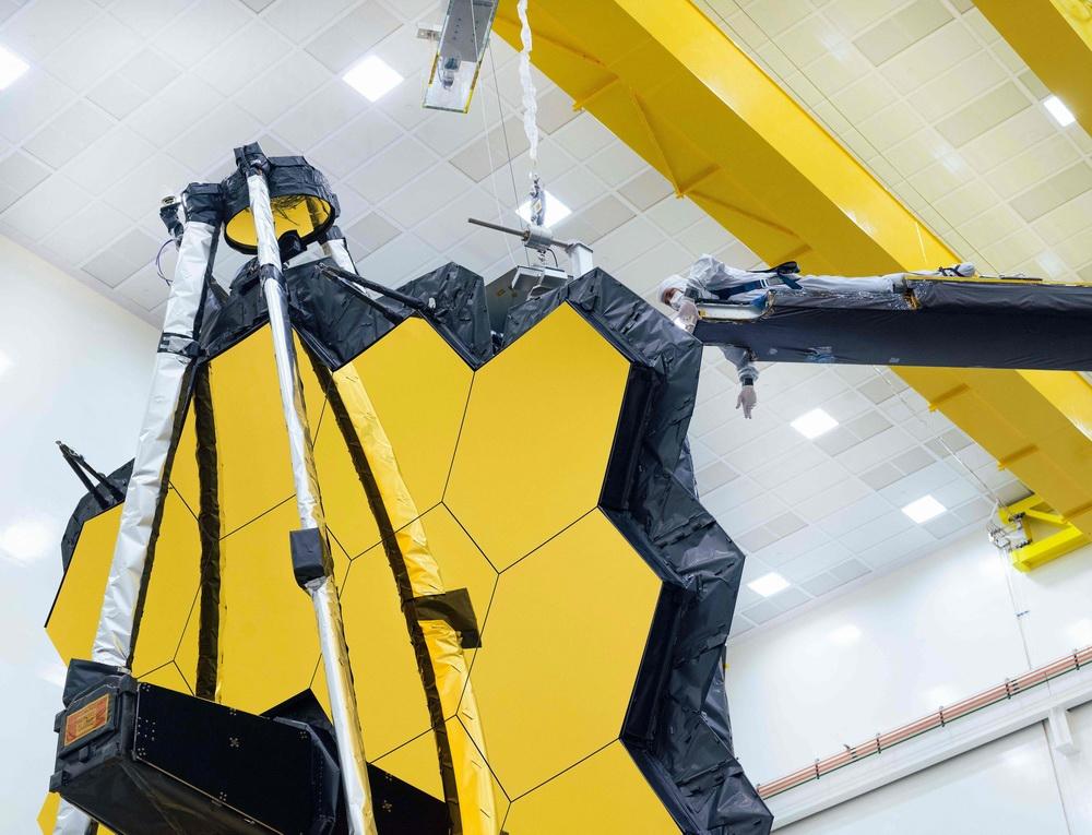 2021年5月12日讯,美国加州,NASA当地时间5月11日公布詹姆斯·韦伯空间望远镜接受测试,为太空旅行做准备。