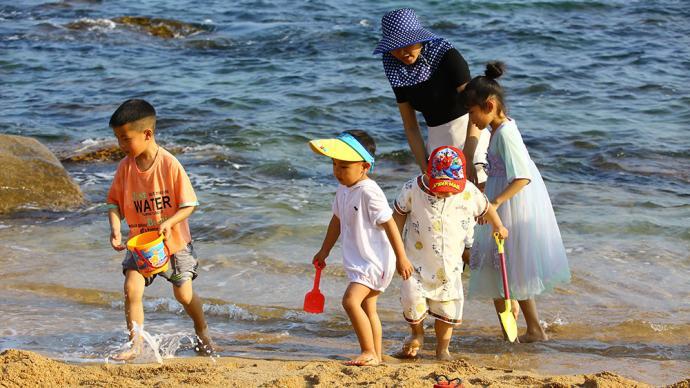 海南省统计局:十年间三亚、海口人口增长超四成