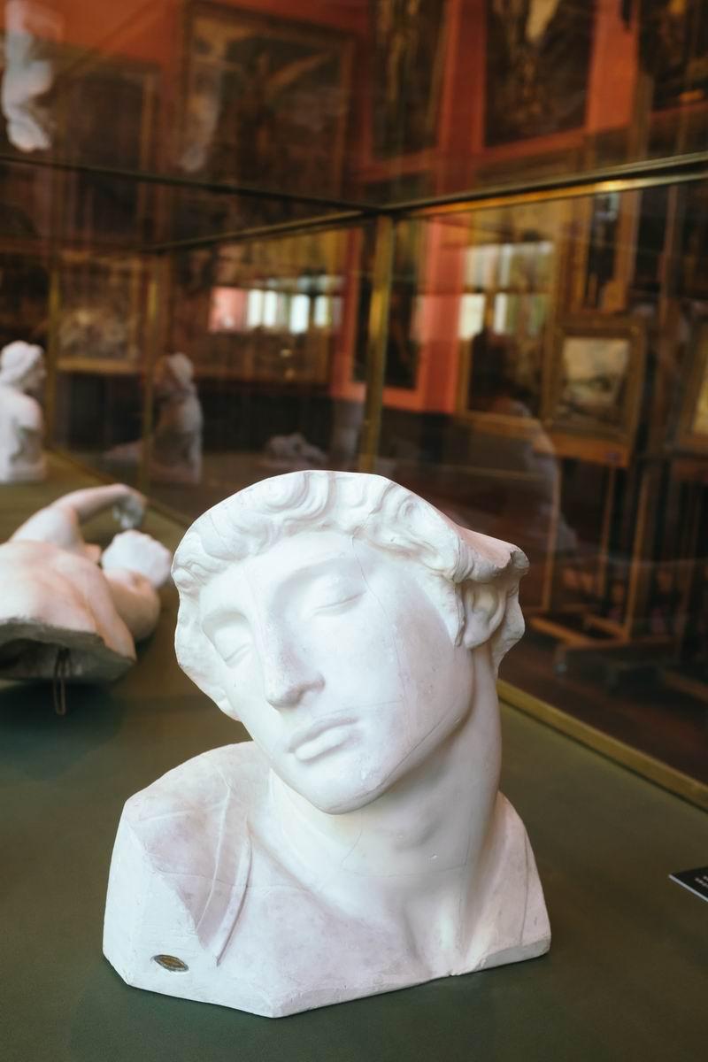 古斯塔夫·莫罗雕塑作品