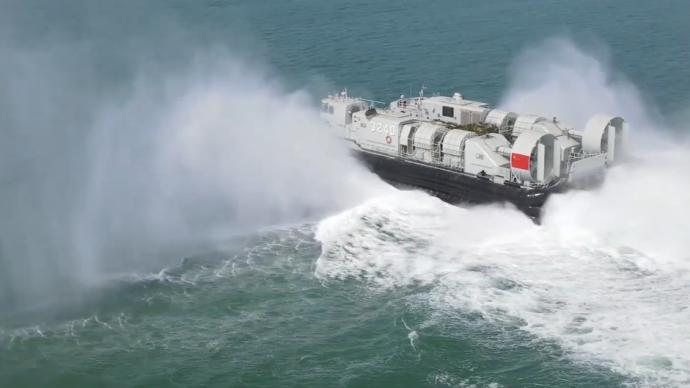 视频丨多兵种联合演练渡海登陆,重点演练昼夜间整建制装卸载