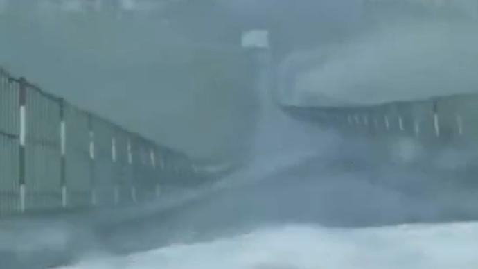 """贵州网红铁索桥因强风受损,大学教授实地考察""""问诊""""原因"""