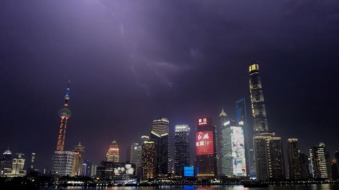 警惕!上海今夜明日仍有强对流天气局部大雨,防范不可大意