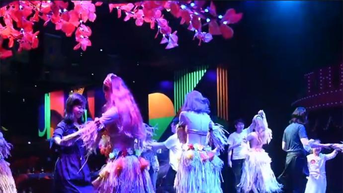 演艺遇上餐饮,沪上首个大型餐饮秀《热情桑巴》今展演