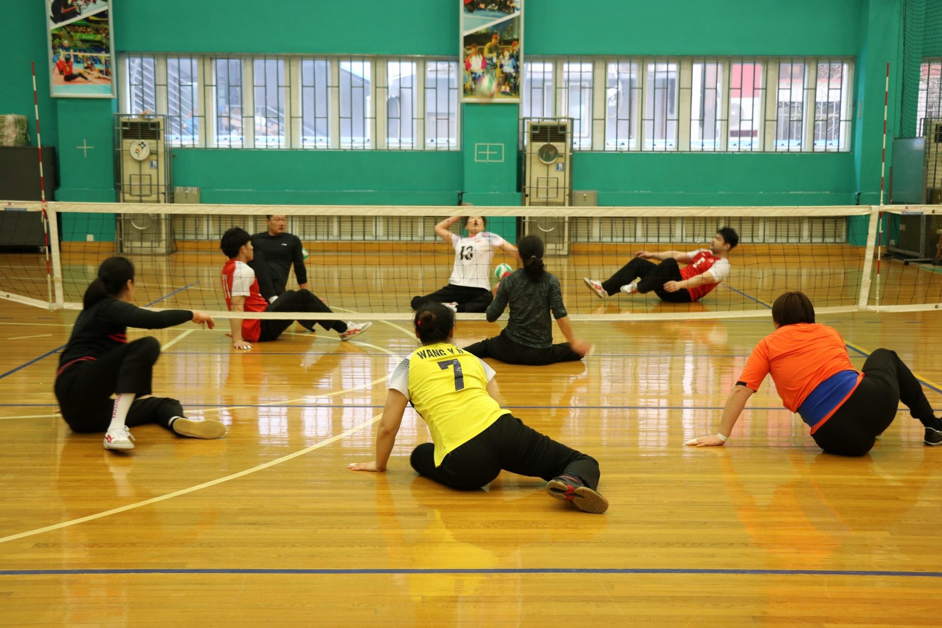 队伍正为备战东京残奥会,进行着艰苦的训练。