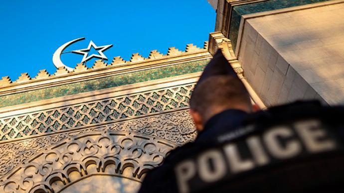 法兰西面临内战?危言耸听,但法国穆斯林进退维谷是事实
