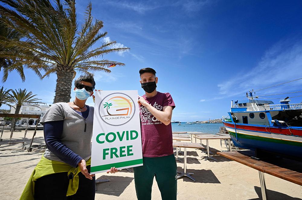当地时间2021年5月15日,意大利西西里岛,当地等待着游客的到来。意大利卫生部长斯佩兰扎(Roberto Speranza)14日晚签署最新防疫法令,从16日起,取消来自欧盟、申根地区、英国、以色列的旅客入境隔离措施。不过入境旅客在出发前48小时内及抵达后,都应进行病毒检测。同时该规定的实施范围有望在6月扩至七国集团,即英国、法国、德国、日本、加拿大、美国和意大利。