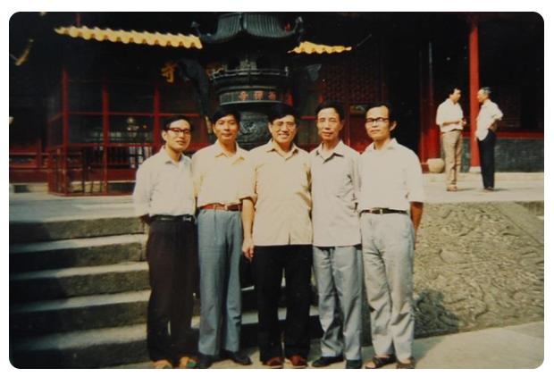 左起:游汝杰、温端政、郑张尚芳、颜逸明、潘悟云