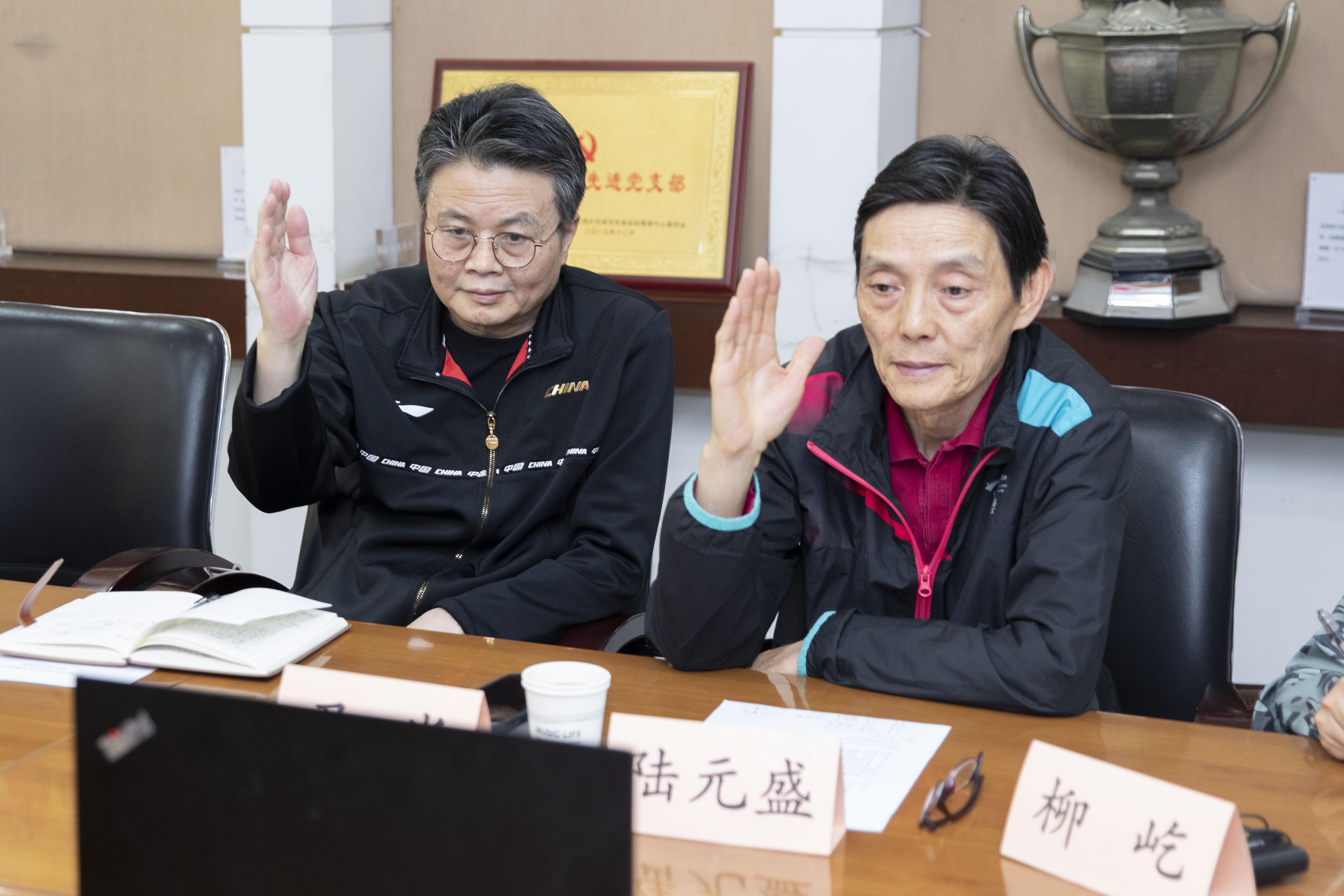 尹肖(左)、陆元盛(右)
