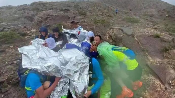 """山地马拉松21人殒命,警示极限赛事必须""""极限预案"""""""