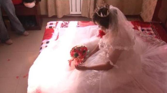 一男子刷视频看到妻子和别人举办婚礼,牵出19起婚姻诈骗案