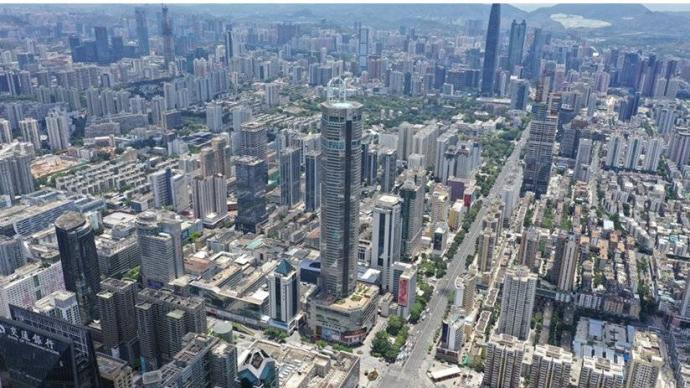 媒体谈赛格大厦晃动:摩天大楼表面光鲜,往往面临问题与风险