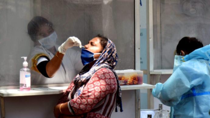 新增病例数显著下降,印度新冠疫情好转了?