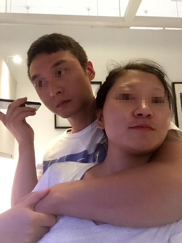 王灵拍下的她和俞东。