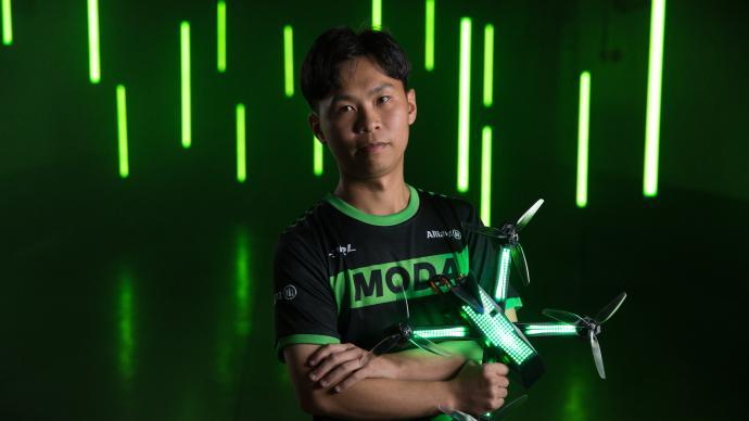这是空中F1!无人机竞速涌现中国职业选手,拿年薪有奖金