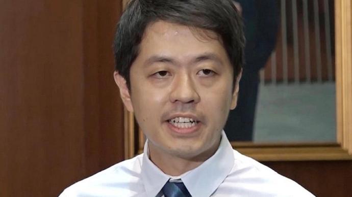 香港特区政府宣布许智峯丧失区议员资格
