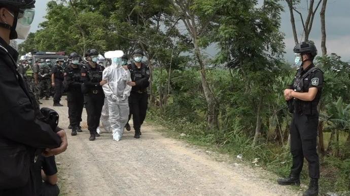 瑞丽:多名偷越国(边)境嫌疑人通过破坏拦阻设施等方式入境