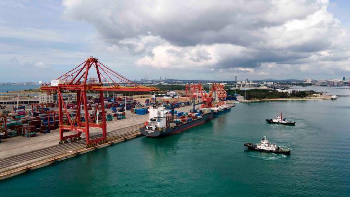 商务部:海南自贸港贸易投资政策制度体系四梁八柱已初步建立
