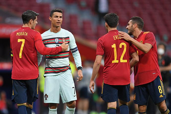 当地时间2021年6月4日,西班牙马德里,2021国际足球友谊赛,西班牙0比0战平葡萄牙。人民视觉 图