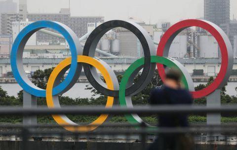 竖立在东京台场区域的奥运五环标志。新华社 资料图