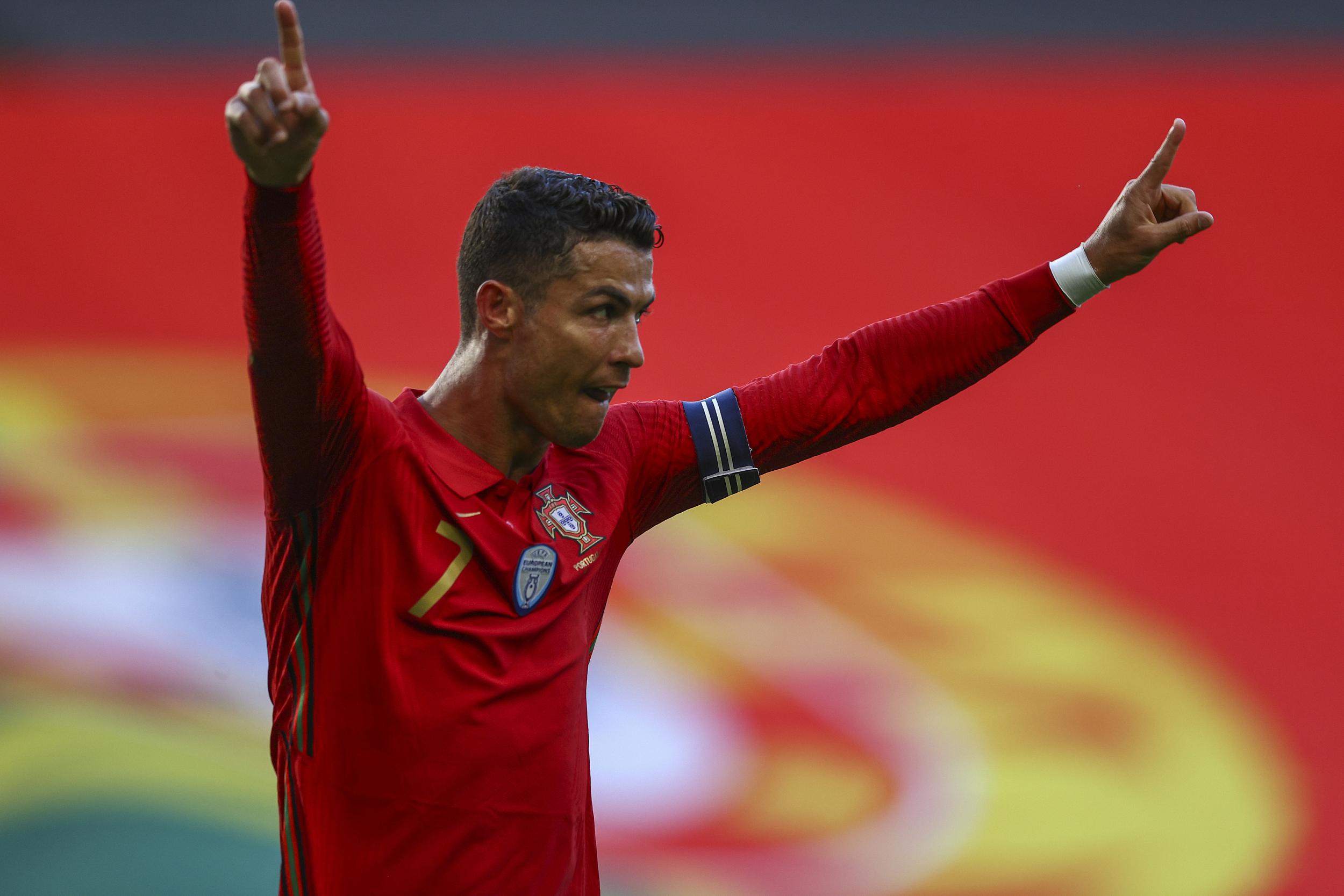 C罗在过去的42场国家队比赛中打进了43球。