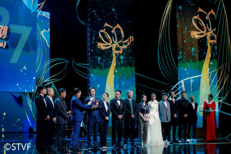 扶贫题材电视剧《山海情》获得本届白玉兰奖最佳中国电视剧奖