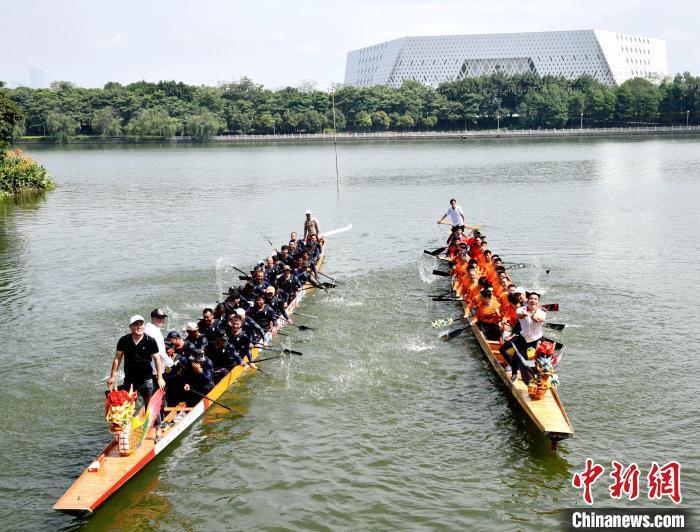 资料图:福州举行龙舟竞渡。林玮东 摄