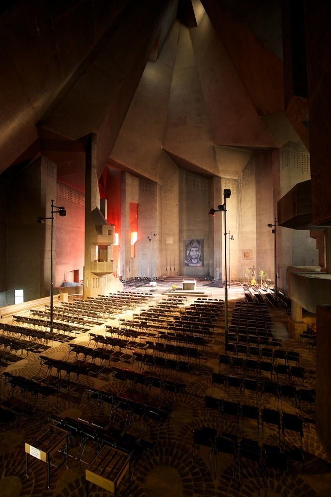 朝圣教堂内部