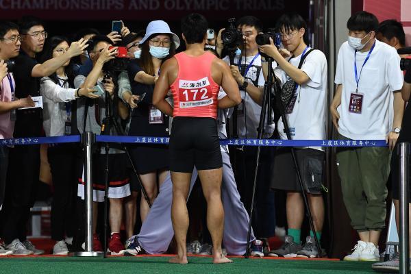 苏炳添在接受媒体采访时表示要争取奥运奖牌。