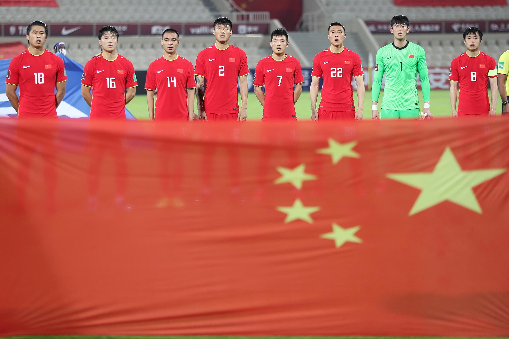国足球员将出线机会掌握在了自己手中。