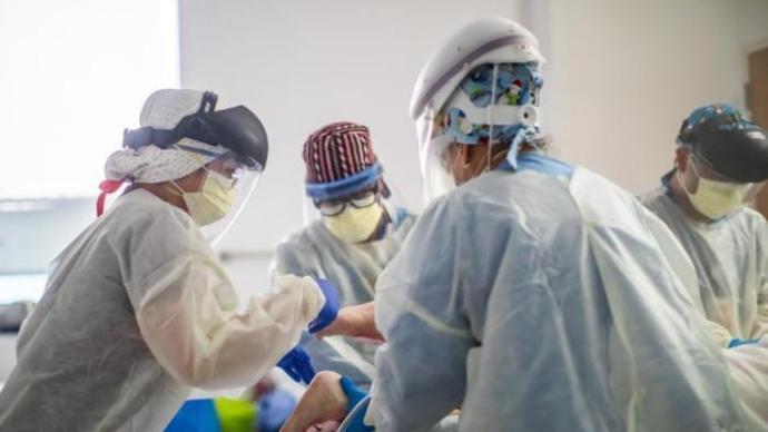 多国研究:女性新冠患者比男性更可能出现长期后遗症