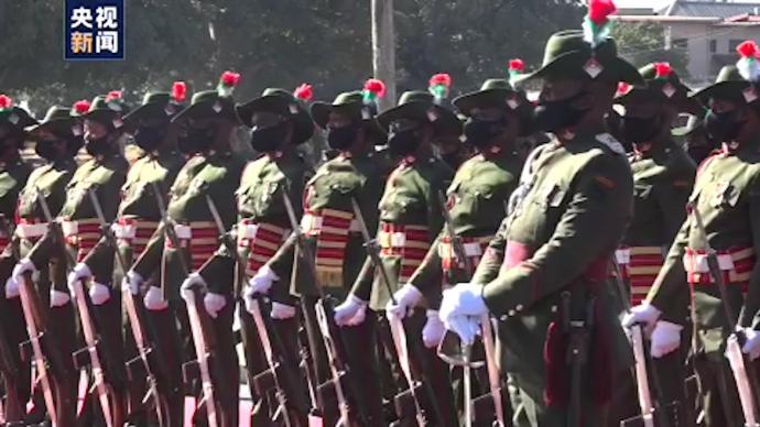 """赞比亚国防部举行庆祝活动,迎接第45个""""国防军日"""""""