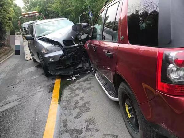 撞击后的车辆 本文图均为法院供图