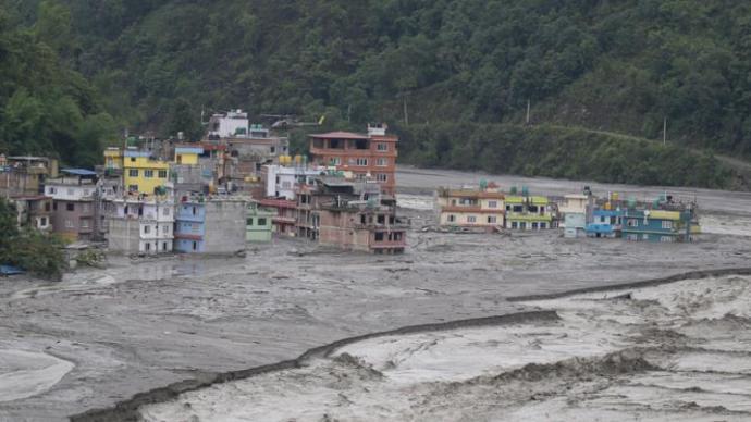 尼泊尔强降雨引发灾害致包孕中国公民在内至少8人死亡