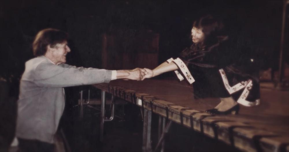 Margaret(右)、导师John Cage