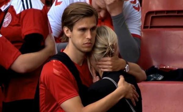 现场的丹麦球迷。