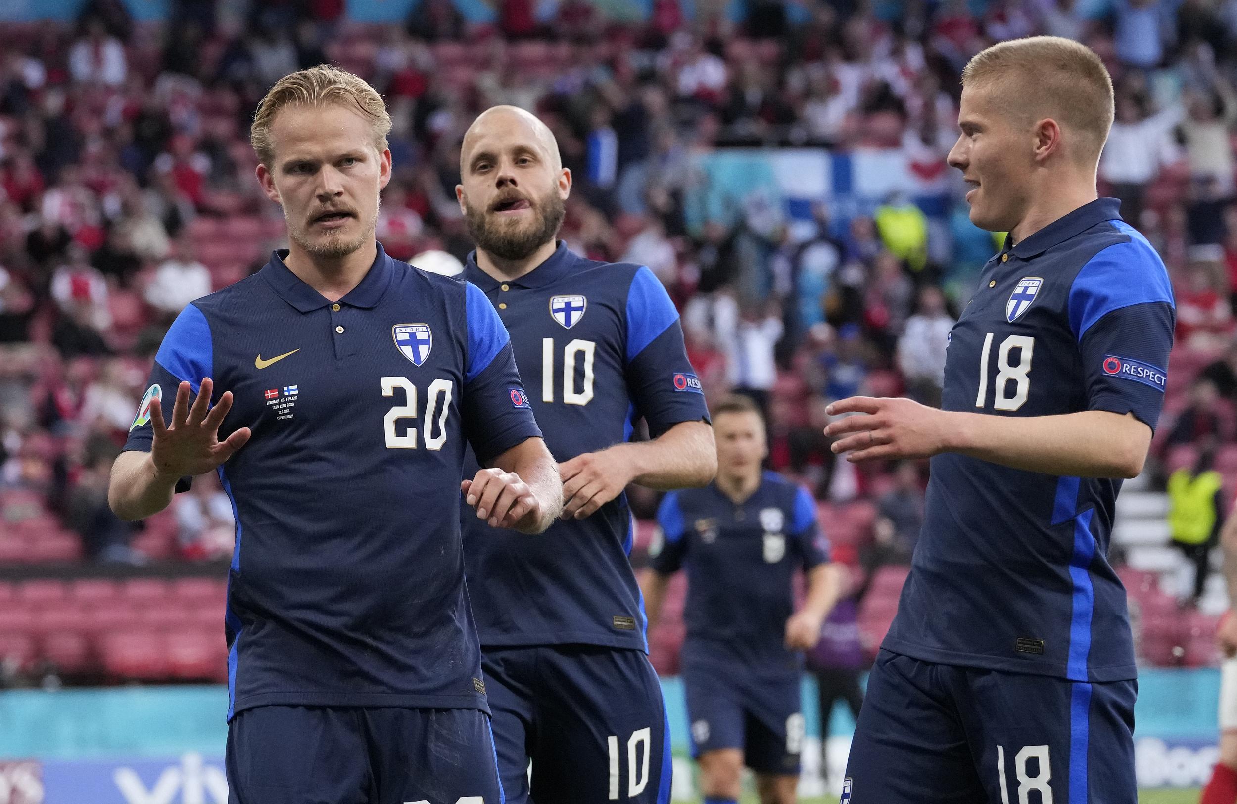 芬兰队在庆祝进球时很克制。