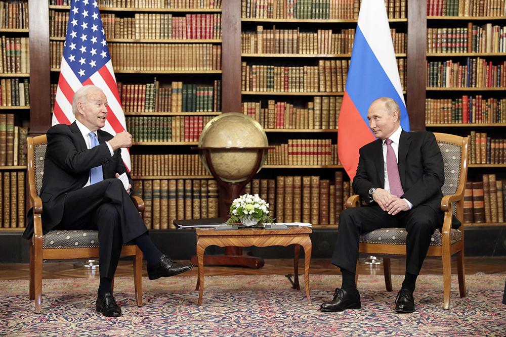 当地时间2021年6月16日,瑞士日内瓦,美俄首脑峰会在拉格朗热别墅正式举行,美国总统拜登与俄罗斯总统普京进行了会谈。人民视觉 图