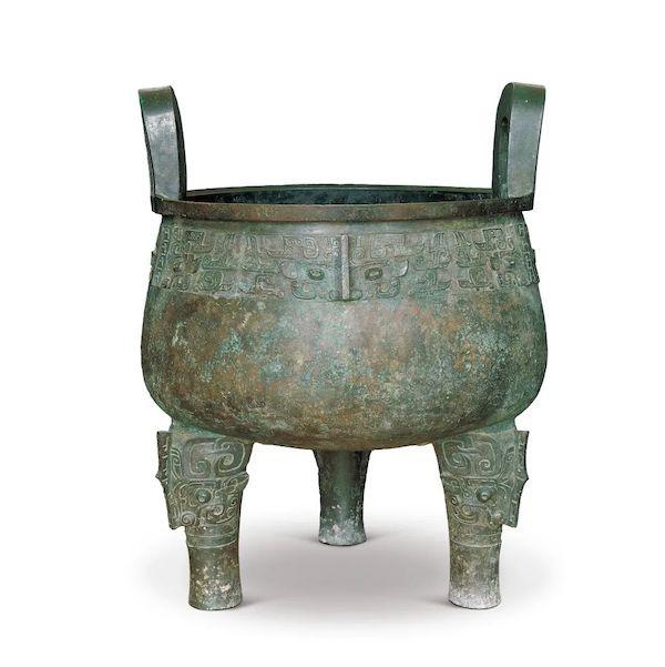 现藏于中国国家博物馆的大盂鼎