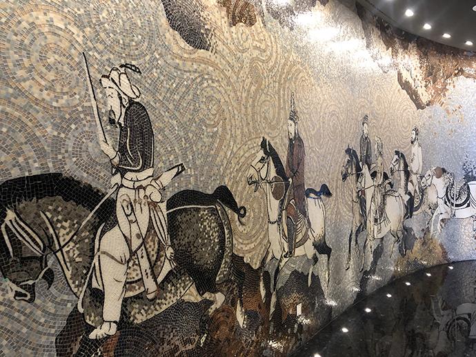 最高餐厅墙上的马赛克画《丝绸之路》
