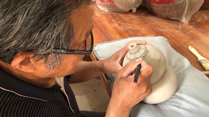 初心之路|卢群山:72岁的梦想,界首彩陶形成品牌产业