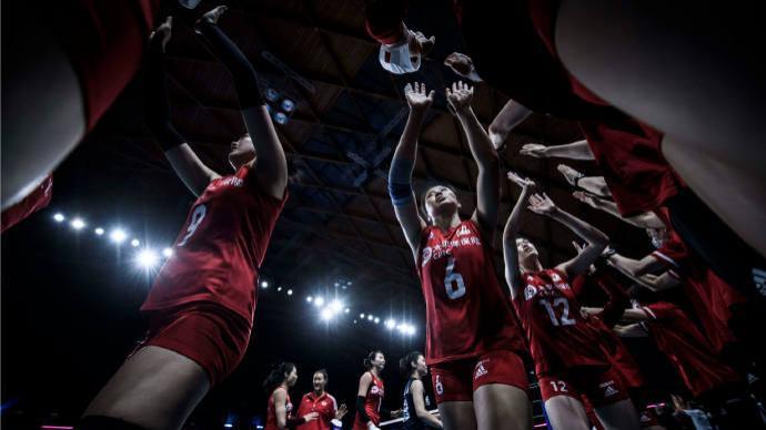 中国女排提前无缘世界联赛四强:今夜对阵全胜美国,模拟奥运