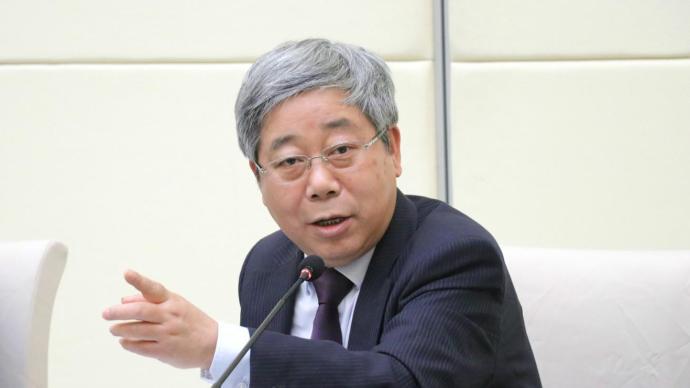 陈宝生:全球疫情期间,中国2亿多名在校生实现停课不停学