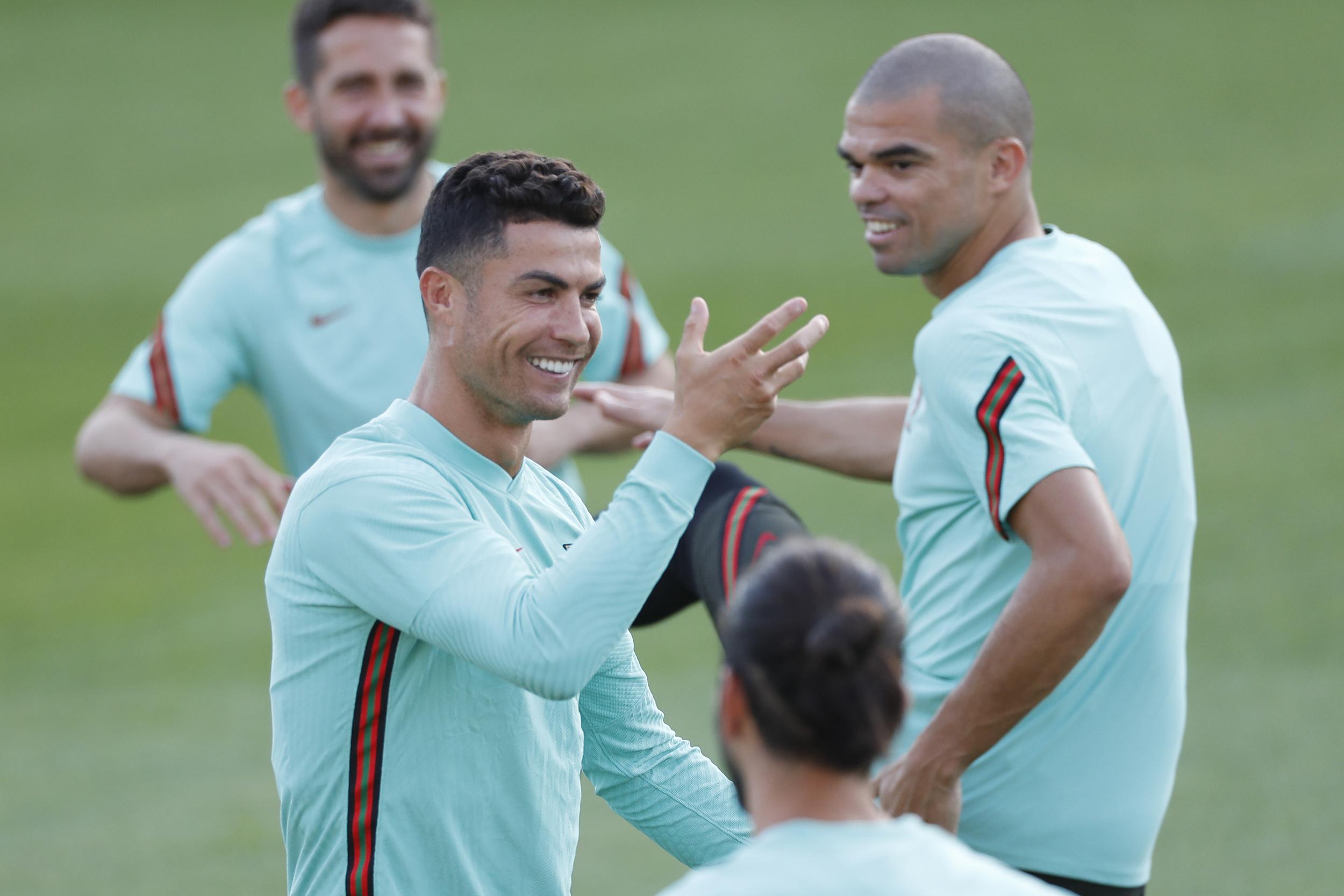 C罗和葡萄牙队能否保住小组出线权?
