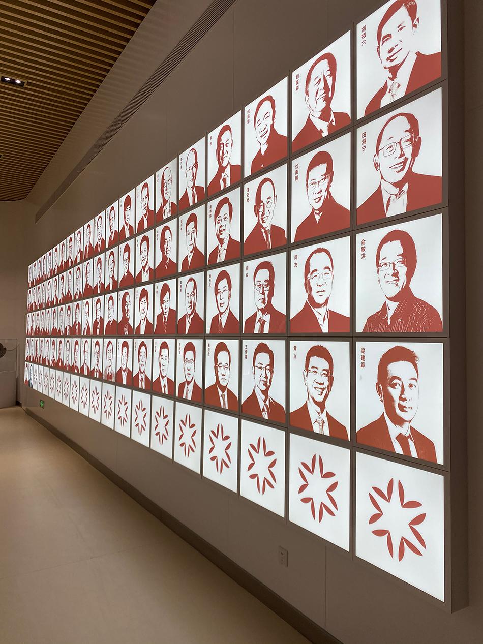"""中诚信只是""""中国成千上万的公司之林中一棵不大的树""""。 新闻记者蒋梦莹摄于亚布力企业家论坛永久会址-中国企业家博物馆"""